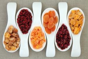 Сухофрукты - польза и вред для иммунитета, полезные свойства и противопоказания кормящим мамам и детям